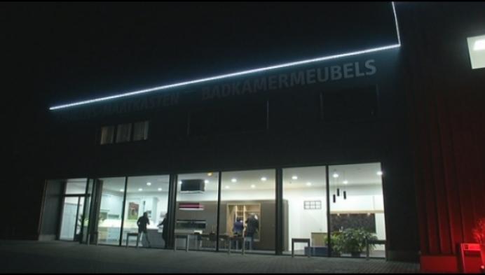 Keukens Van Lommel opent gloednieuw belevingscentrum